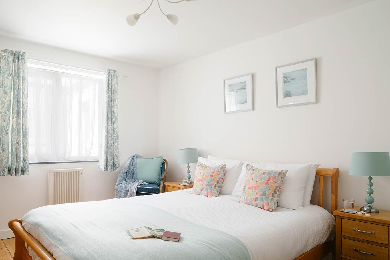 The-Beach-Master-Bedroom - Beach Stays Praa Sands