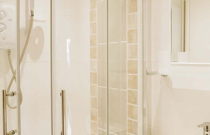 Ensuite in The Cove, Praa Sands 72DPI