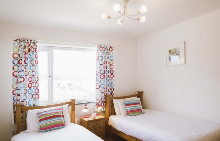 Twin bedroom at The Rockpool in Praa Sands 72DPI