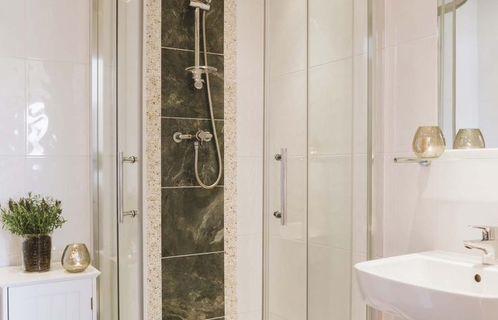 Ensuite in The Rockpool 72DPI