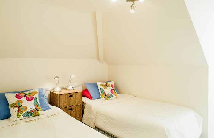Mylor-Twin-Bedroom-2